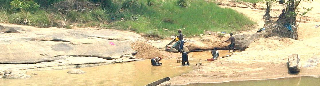 DRC Artisanal Diamond Diggers - Edahn Golan