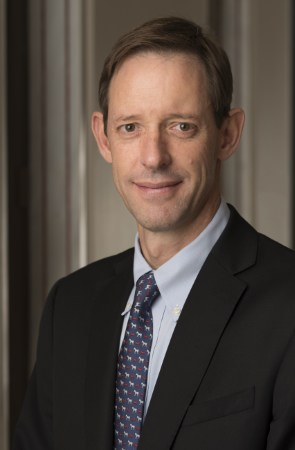 De Beers CEO Bruce Cleaver on Lightbox jewelry - Edahn Golan